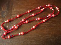 ausgefallene Vintage Kette Glasperlen und Faux Perlen Rot und Pink 130 cm lang