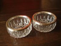 2 wundervolle und praktische Kristall Schalen Schälchen mit versilbertem Rand