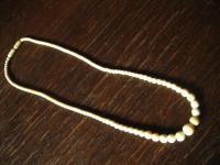 dezente antike Art Deco Bein Collier Kette geschnitzt Perlen Kugeln im Verlauf