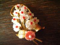 wunderschöne Brosche Blumenstrauß Blumenbuket gold Perlmutt Blüten geschnitzt