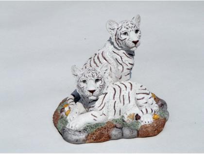 2 Tiger Babys Felsplatte Katze Tigerfigur weiss Skulptur Deko Tier Figur Löwe