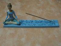Räucherstäbchenhalter Yoga-Frau
