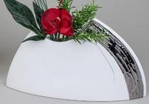 Edle Vase in edelweiß mit silberner Reaktionsglasur, 29 x 17 cm