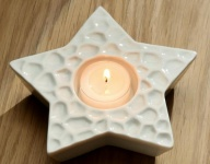 GILDE Deko Stern als Teelichthalter in Weiß aus Porzellan 12 cm