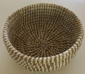 GILDE Deko-Korb aus geflochtenem Gras, rund, 26 x 13 cm