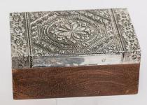 formano Schmuckdose aus Holz und Metall mit Relief, 10 x 15 cm