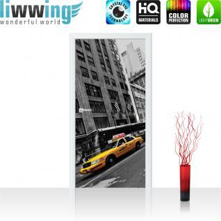 liwwing Vlies Türtapete 91x211 cm PREMIUM PLUS Tür Fototapete Türposter Türpanel Foto Tapete Bild - New York Haus Fassade Fahne Taxi - no. 848
