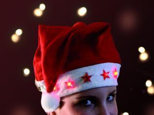 Nikolaus Weihnachts mütze mit blinkenden Sternen - Vorschau 2