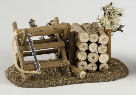 Sägebock mit Holzstoß, für Krippe, Hobby- und Modellbau