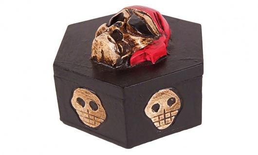 Totenkopf geschnitzt, 6eck-Box