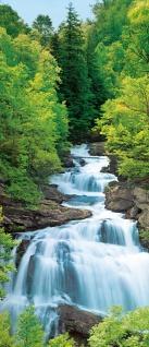 Türtapete Wasserfall im Wald, mit optischer Vergrößerung