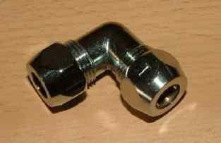 Verchr. Winkelverschraubung 2 Quetschen 8 mm (Auswahlmöglichkeiten)