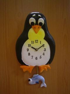 Pendeluhr Pinguin mit Fisch - Vorschau