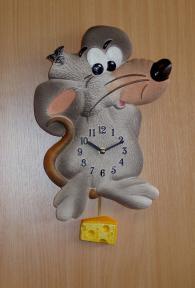 Pendeluhr Maus mit Käse