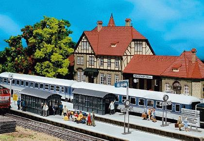Faller 120203 Bahnsteig