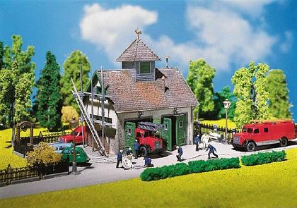 Faller 130268 Ländliches Feuerwehrhaus - Vorschau 1