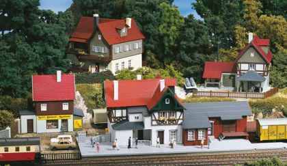 Auhagen 15303 TT Startset Bahnhof