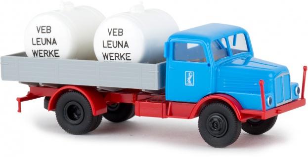 Brekina 71532 IFA S4000 mit Tanks LEUNA