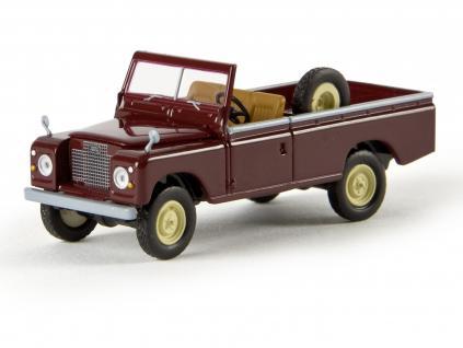 Brekina 13752 Land Rover 109