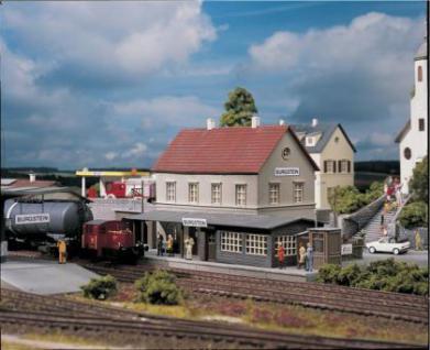 Piko 61820 Bahnhof Burgstein