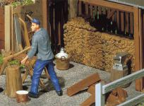 Pola 333213 Holzstapel und Werkzeug