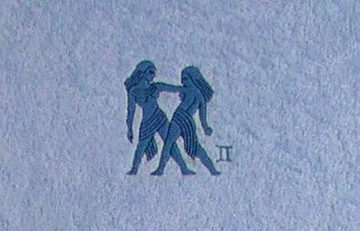 Frotteetuch hellblau mit Sternzeichen Zwillinge - Vorschau 3