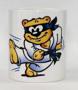 Tasse mit Kampfsport Bär