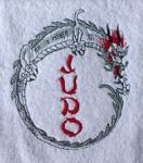 Duschtuch aus Frottee mit Stickmotiv Judo und Drache