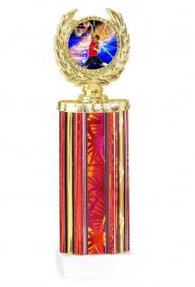 gold roter Pokal in Zylinderform mit Emblem
