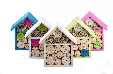 Insektenhotel Aus Holz Und Bambus In Verschiedenen Formen Und Farben