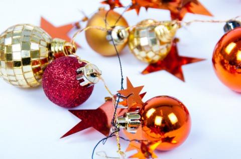 LED Weihnachtsgirlande mit Sternen und Kugeln verschiedene Farben