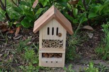 Grüner Jan Insektenhotel aus Holz
