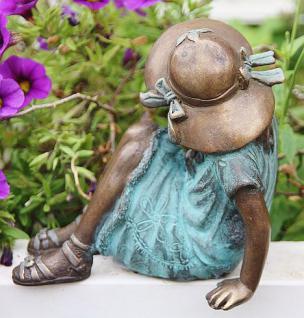 Bronzefigur Mädchen mit Hut, Figur aus Bronze - Vorschau 2