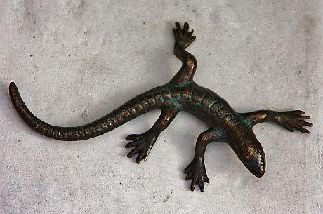 Bronzefigur Salamander, Tierfigur aus Bronze, Bronzesalamander