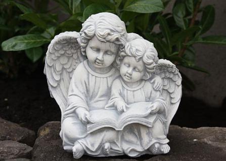 Steinfigur Engel betend aus Steinguss