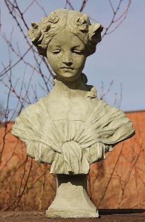 Steinfigur Büste Nadine, Skulptur aus Steinguss, Frauenfigur
