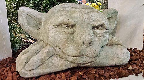 Steinfigur Mauerhocker Gargoyle, Figur aus Steinguss
