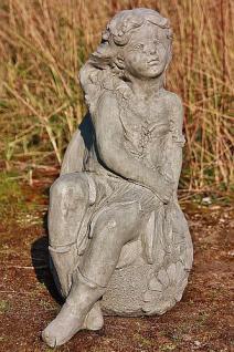 Steinfigur Blumenelfe Cara, Fantasyfigur aus Steinguss