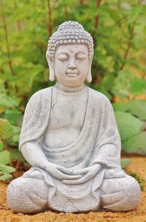 Steinfigur Buddha, Figur aus Steinguss, patiniert