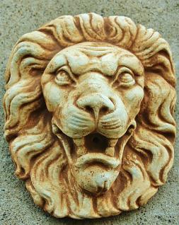 Steinfigur Wasserspeier Löwenkopf, mit Öse zum Aufhängen, patiniert, Steinguss