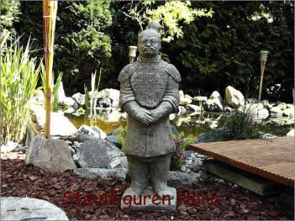 Chinesischer Krieger für Garten & Teich Steinfigur