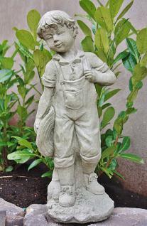 Steinfigur Junge Sam aus Steinguss