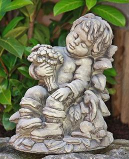 Steinfigur Blumenjunge Erwin, Skulptur aus Steinguss