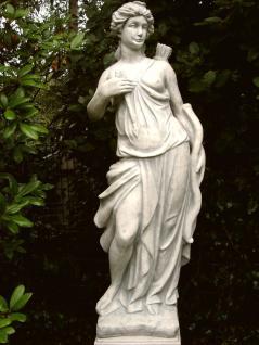 Steinfigur Griechische Göttin der Jagd FROSTFEST