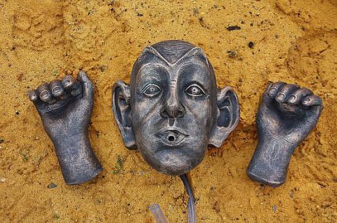 Steinfigur Wasserspeier Gargoyle, für Garten & Teich