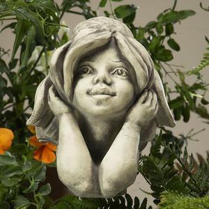 Steinfigur Blumenkind Sonnenhut, Figur aus Steinguss