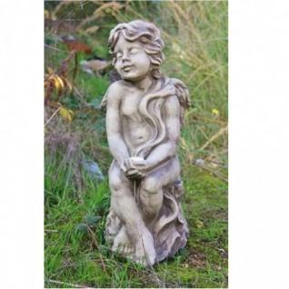 ENGEL MERILLA sitzt auf BAUMSTUMPF aus STEINGUSS GARTEN DEKO FIGUR NEU 24-50038