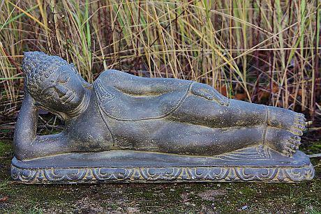 Steinfigur Buddha liegend, aus Steinguss