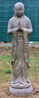 Stehender Mönch, Handhaltung: Begrüssung, Skulptur aus Steinguss, 125 cm hoch! - Vorschau 1