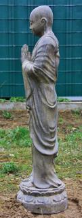 Stehender Mönch, Handhaltung: Begrüssung, Skulptur aus Steinguss, 125 cm hoch! - Vorschau 3
